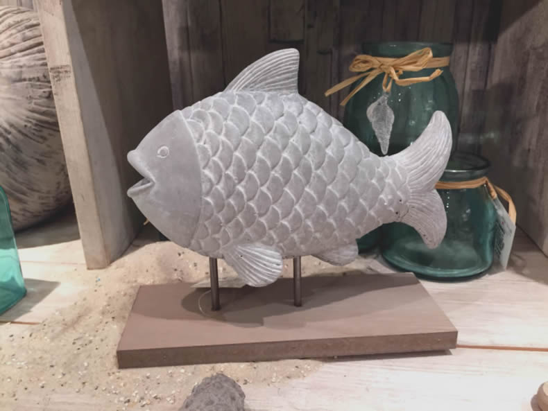 deko fisch sockel skulptur aufsteller figur maritim shabby bad meer k ste hafen ebay. Black Bedroom Furniture Sets. Home Design Ideas