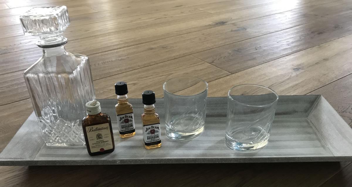 design glaskaraffe whisky cognac kristall karaffe wein wasser lik r verschluss ebay. Black Bedroom Furniture Sets. Home Design Ideas